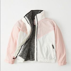 NWT Abercrombie and Fitch Women Nylon Jacket XS.